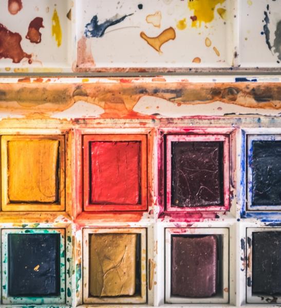 Palette de couleurs pour l'aquarelle. Représentation de la méthodologie de Doxaplus sur le coaching